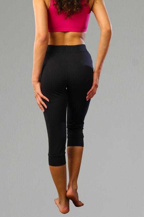 Everyday Seamed Capri Jogger for Women- Black